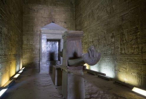 tempio-di-edfu-naos