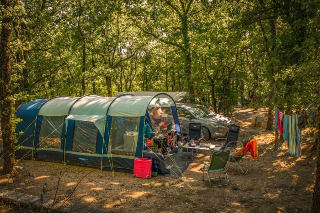camping les castels souillac big blue tent southern france