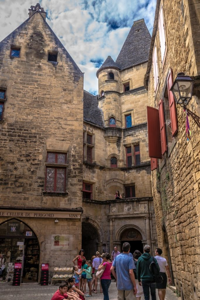 The quieter side streets of Sarlat, South France, dordogne