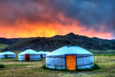 Baron Renzik (Flickr) picture of several yurts