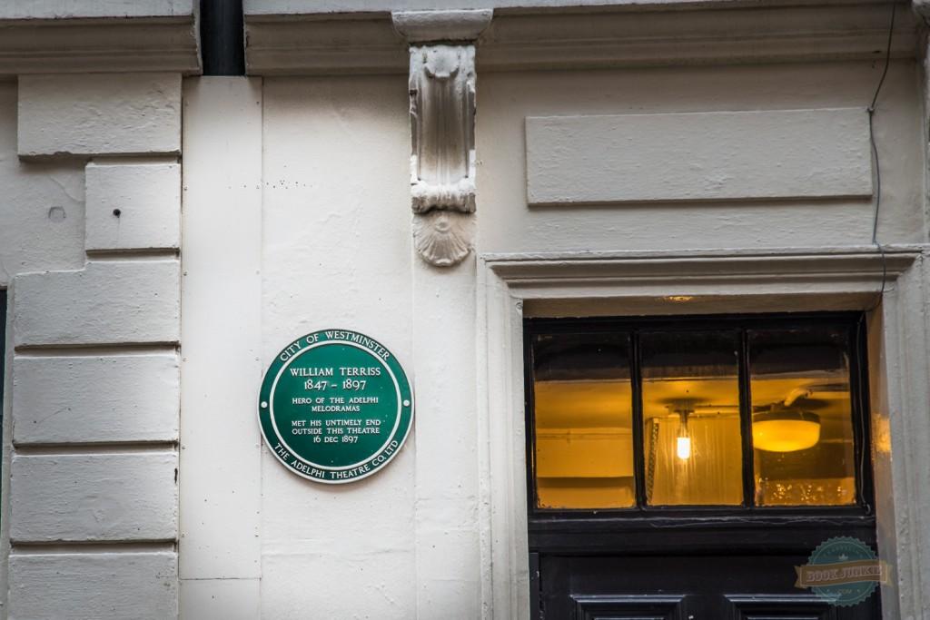 William terriss plaque in london by the theatre door