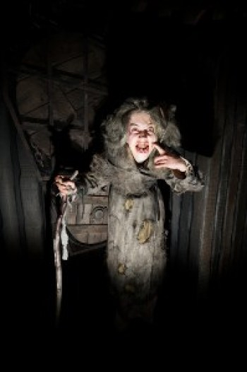 The leper or knave that welcomes you to the London Dungeon