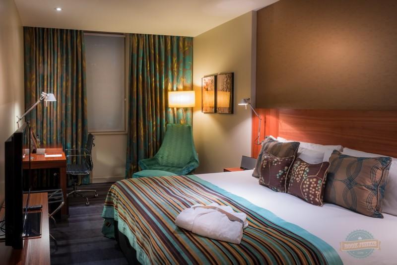 Apex London Wall city bedroom