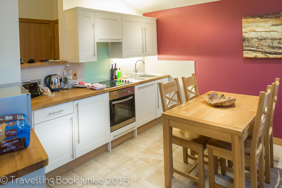 kitchen, golden oak, thorpe forest, forest holidays, norfolk, uk