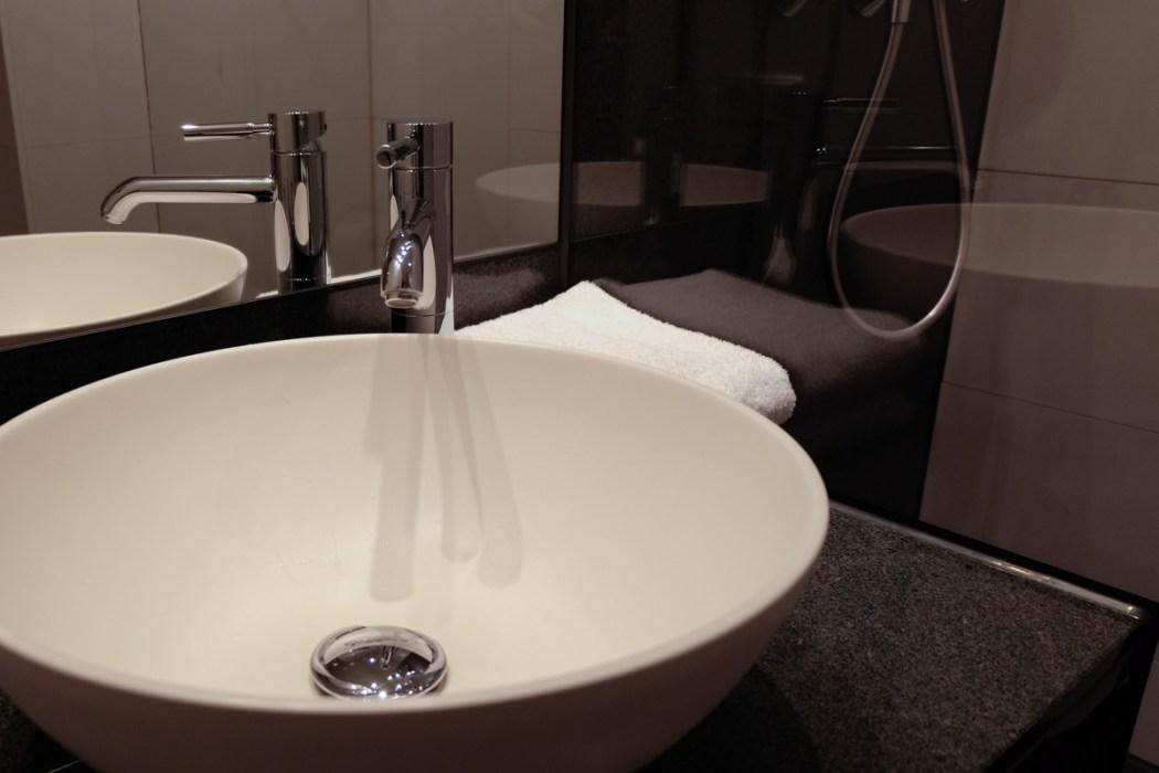 Bathroom, Motel One, Essen, Germany