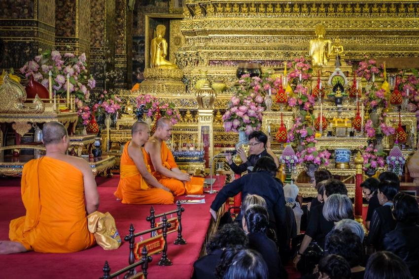 Golden reclining Buddha, Wat Pho, Bangkok, Thailand, Travelling, Travel, Travelling Book Junkie