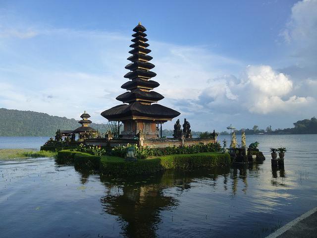 Ulun Danu Beratan, Bali, Indonesia, Asia, Travelling Book Junkie, Travel, Travelling, Unique Travel, Unusual Travel