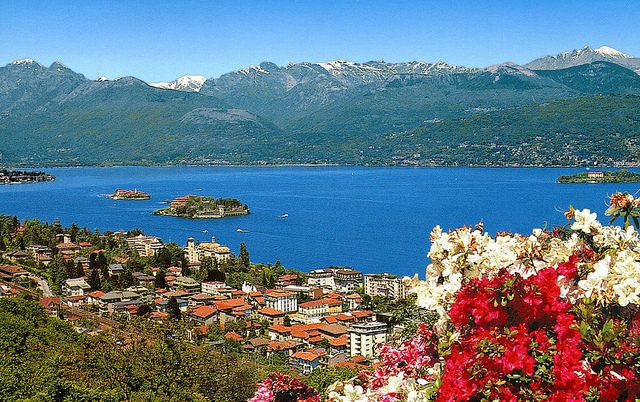 travelling book junkie, popular destinations, amazing destinations, must see places, famous places, beautiful, places, ideas for, vacation, holiday, italy, lake maggiore, europe, travel, destination, top, guide, amazing,