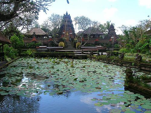 Temples, Ubud, Bali, Indonesia, travel, Travelling Book Junkie