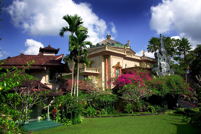 Blanco Renaissance Museum, Ubud, Bali, Indonesia, Travel, Travelling book Junkie