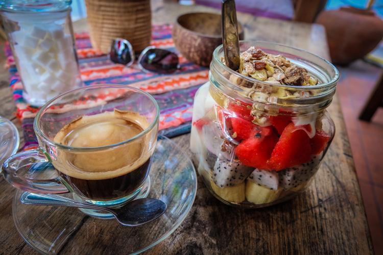 breakfast, fruit, bangkok, healthy, coffee, thailand, strawberrys, dragon fruit,