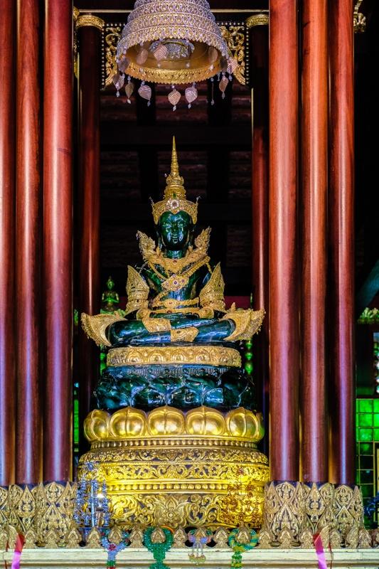 chiang rai, temples, thailand, giant, buddha, Wat Phra Kaew, white temple, Wat Rong Khun, Black House, Baan Dam, Wat Phra Kaew, Wat Huai Pla Kung, Wat Mung Muang, best, list of, must see,