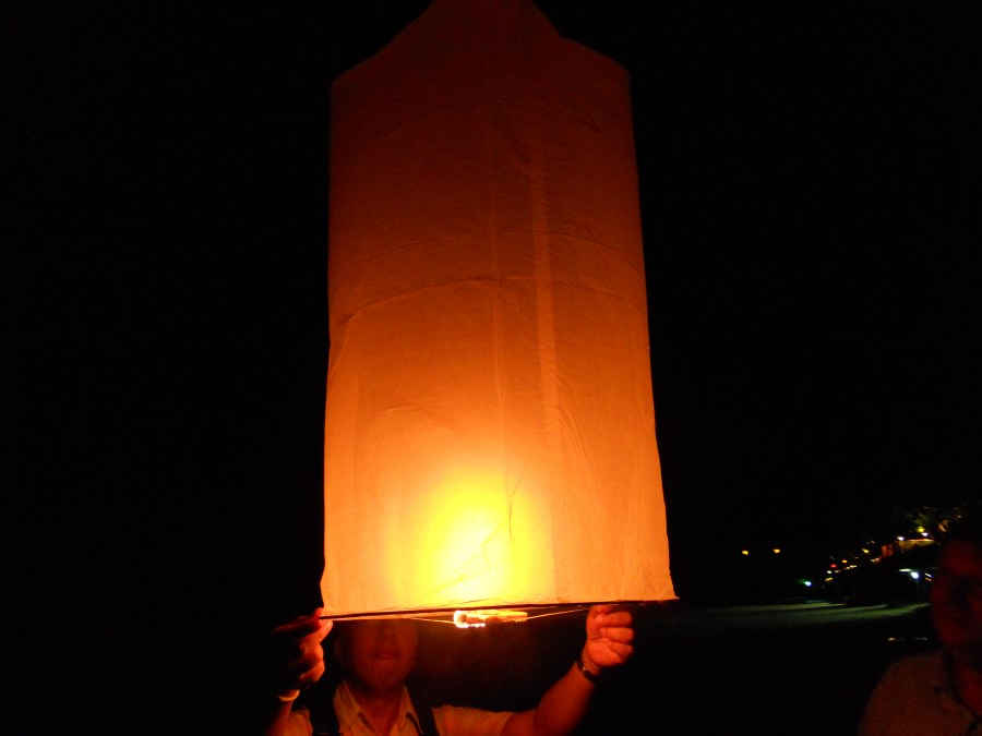 Lighting the lanten