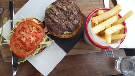 SAM 4676 - Eating my way around Melbourne - the one about the Aussie burger