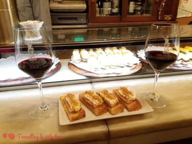 Montaditos de tarta de manzana del Café Viriato