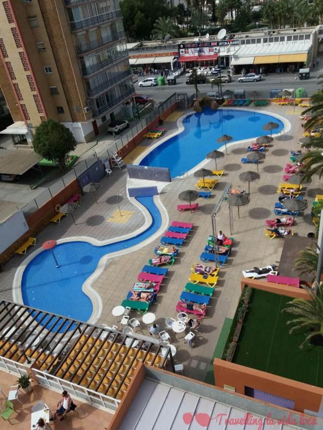 Las vistas de las piscinas desde nuestro balcón