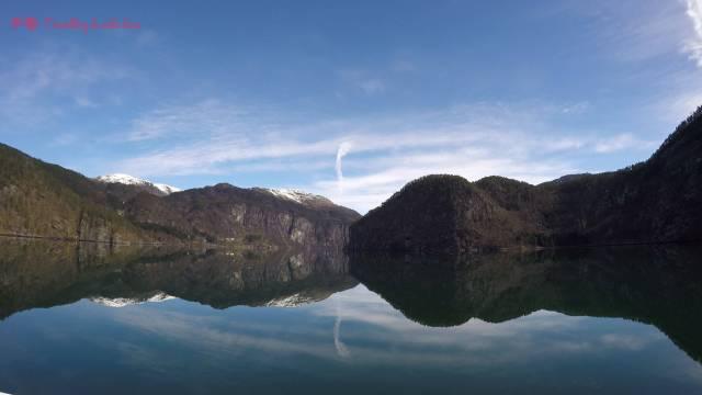 El fiordo en esta parte era un auténtico espejo 😍