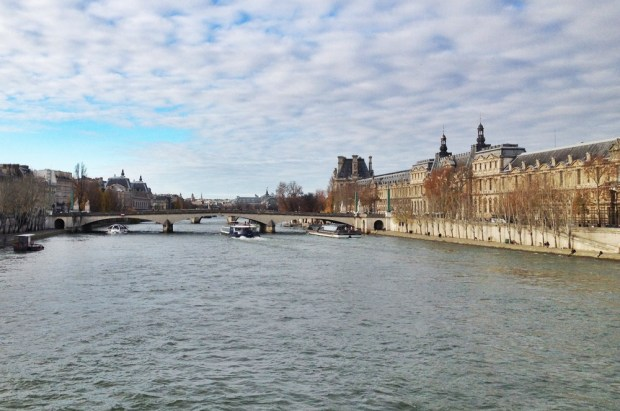 Exploring the banks of the Seine