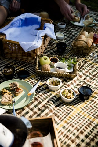 Maggie Beer picnic
