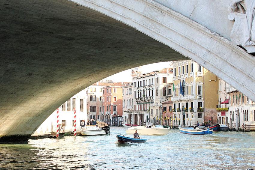 Venice Rialto Bridge by Sarah Blinco