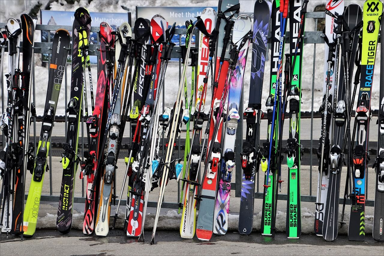 Tips for a great family ski holiday including - Best value ski resorts for families,Best time to go skiing,Cheapest place to go skiing,Best family ski resorts Europe