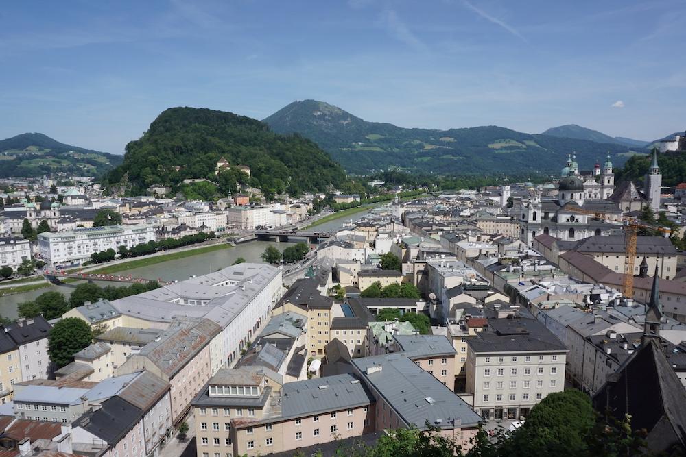 Uitzicht vanuit Museum voor Moderne Kunst Salzburg Oostenrijk