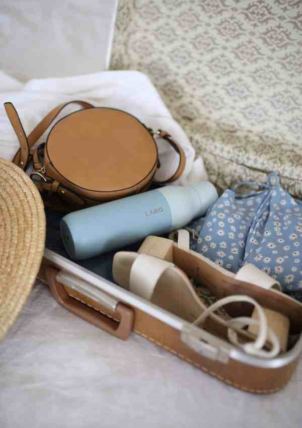 18 SUPER Useful Things To Pack For Your Next Trip