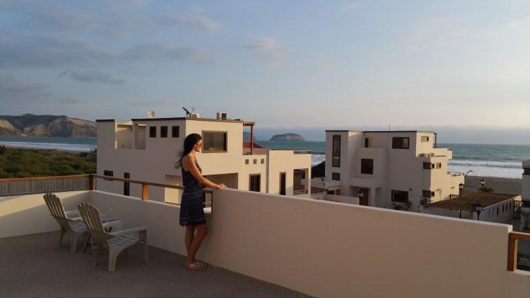 Ocean front Villa Ecuador in Puerto Cayo