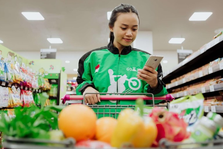 Use Go-Jek Go-Mart for grocery delivery in Bali