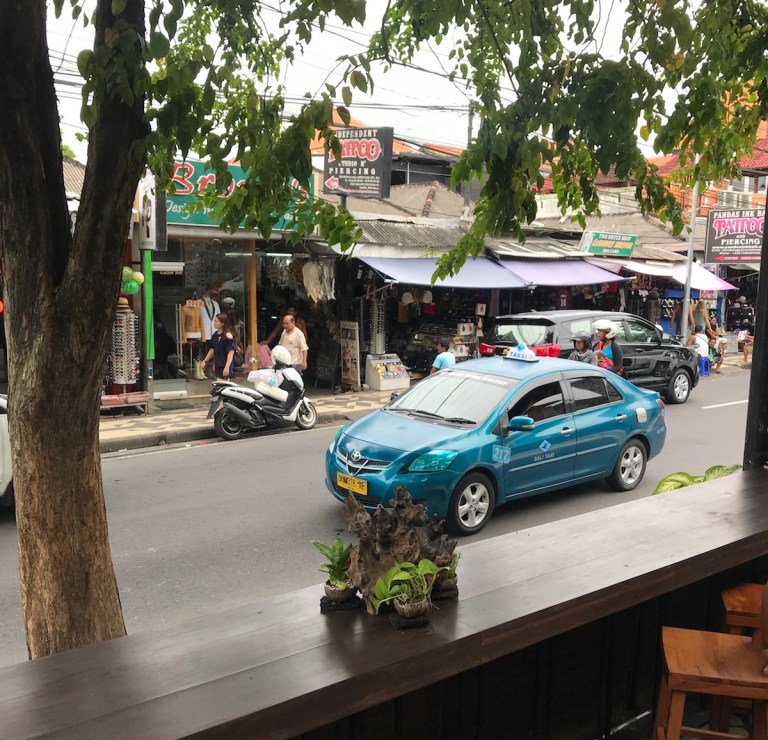 Should You Take a Taxi, Uber or Grab in Bali - Travel Off Path