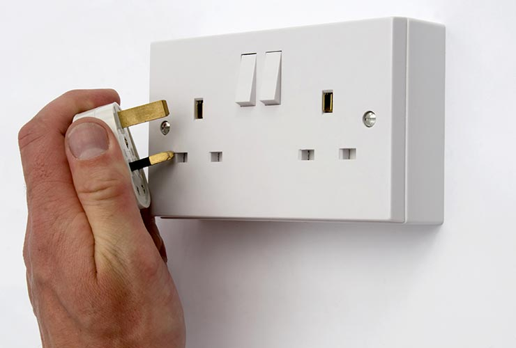 Uk wall outlet voltage