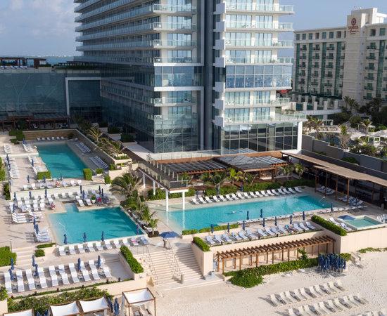 all inclusive resort vs cruise