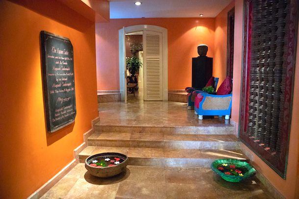 entry to the apsara suite tugu malang