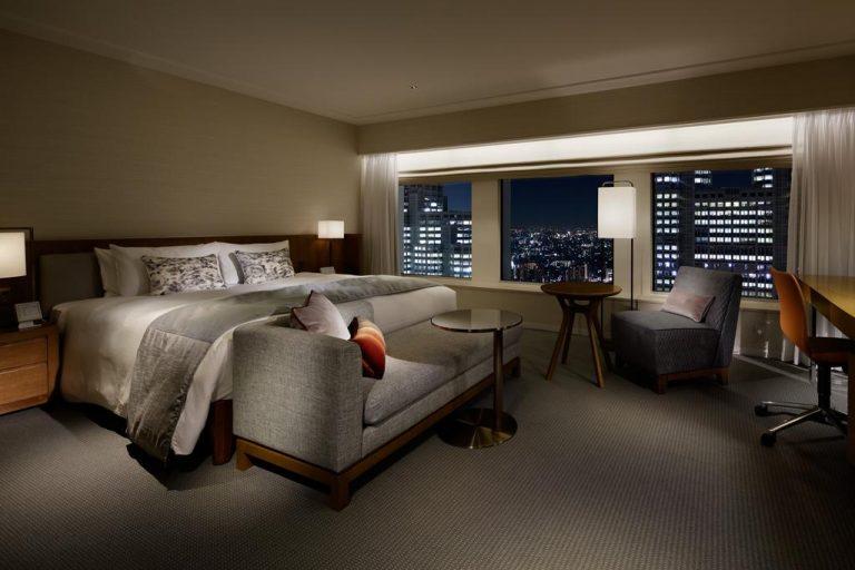 Premier Deluxe King Room - Keio Plaza Hotel