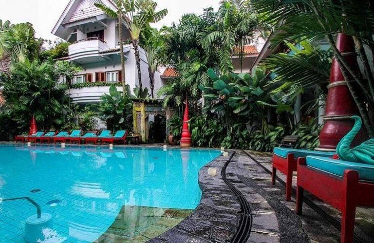 Tugu Malang hotel pool - affordable 5 star