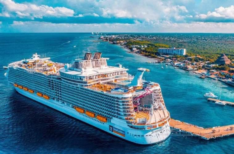 royal caribbean ship at sea