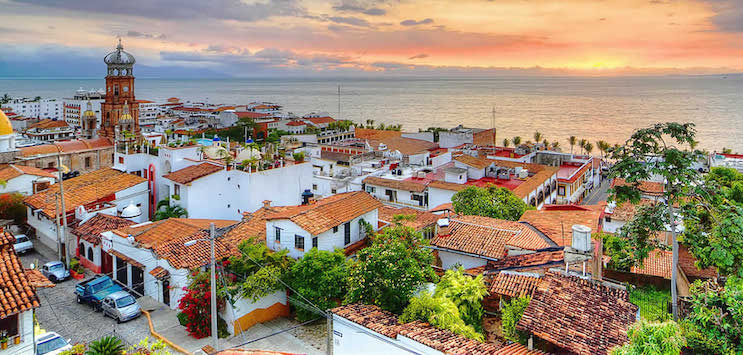 Canadians travel to puerto vallarta for cheap vacation