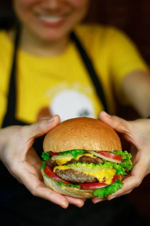 Burgers Plus in Hoi An - cheapest restaurants