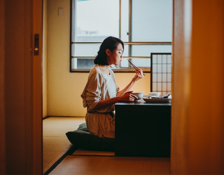 Don't point with your chopsticks in Japan - Japanese etiquette