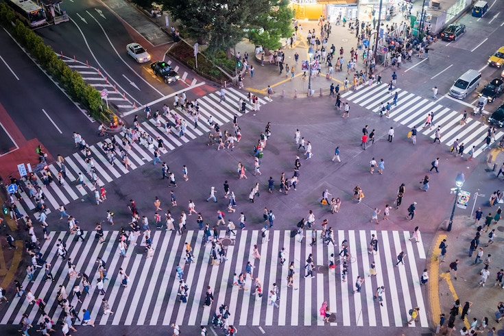 Japan travel tips - which side of the road to walk and drive on