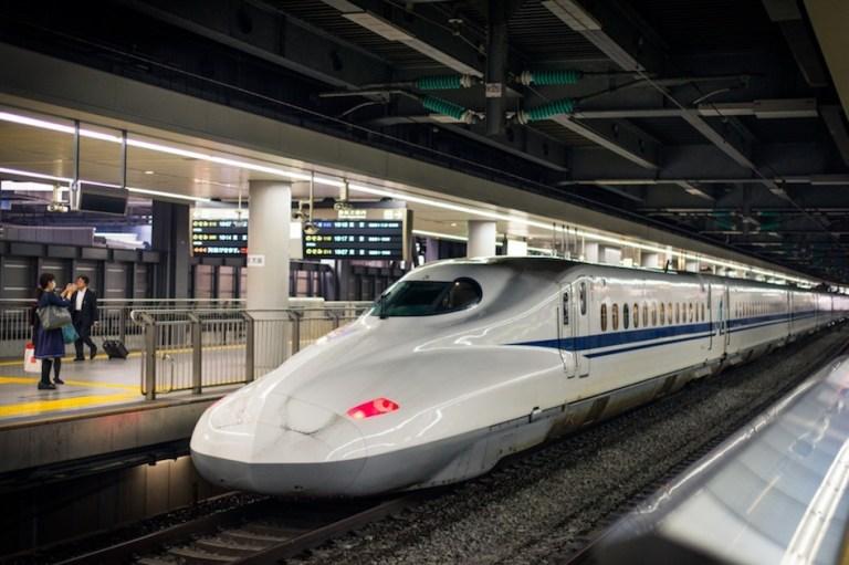 You can bring luggage on the shinkansen