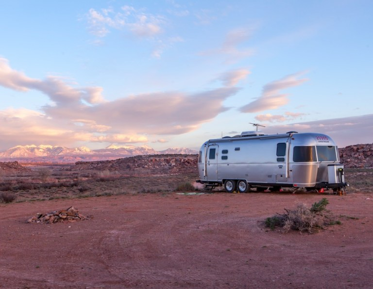 Con's of living in an RV - ot can be hard to keep warm and keep cool