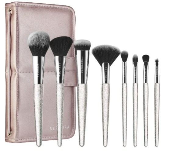 Christmas Gifts for girls Who Travel -makeup brushes