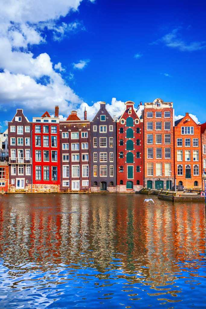 One of Europe's most charming cities, Amsterdam is an ideal destination for a weekend getaway. With numerous low-cost airlines offering cheap flights to the Dutch capital, visiting Amsterdam for the weekend has never been easier. From its charming water canals and beautiful architecture to world-class museums and picturesque parks, Amsterdam has it all.