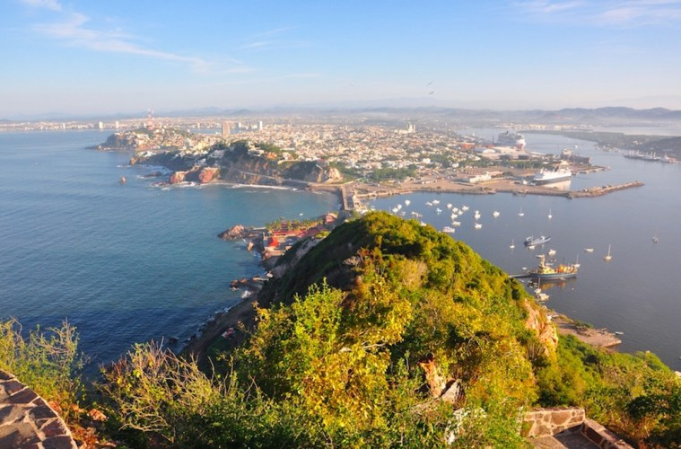 direct non-stop flights to Mazatlán