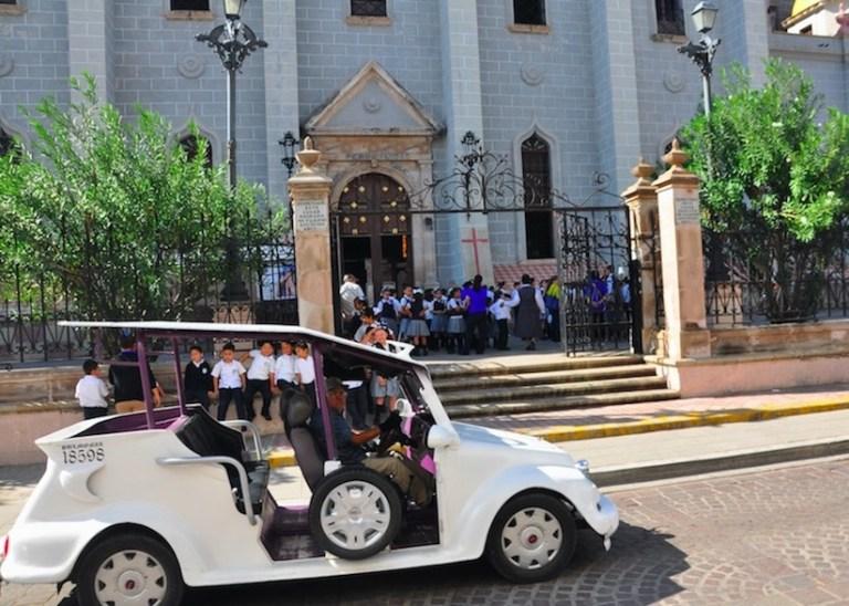 pulmonia infront of the church in historico centro mazatlan