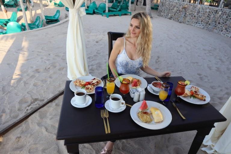 Breakfast on the beach mazatlan