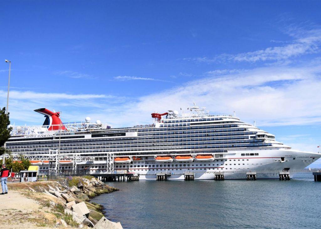 carnival-cruise-ship-coronavirus-halt