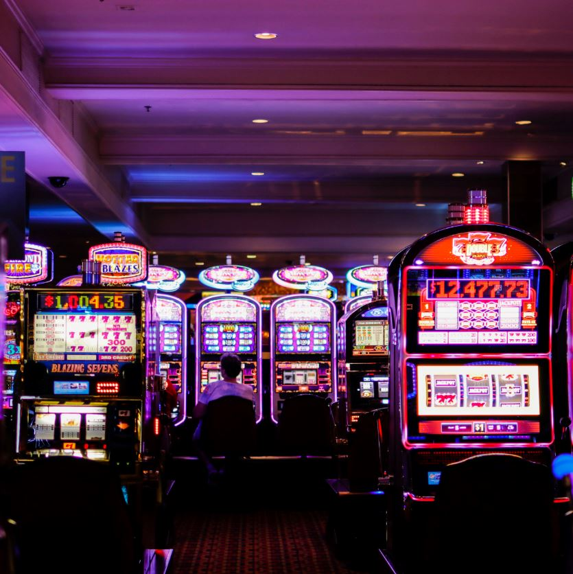 Las Vegas Reopening Is Up To Officials As Hotels And ...