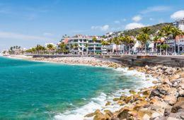 Puerto Vallarta Reopening Malecon Restaurants on Monday